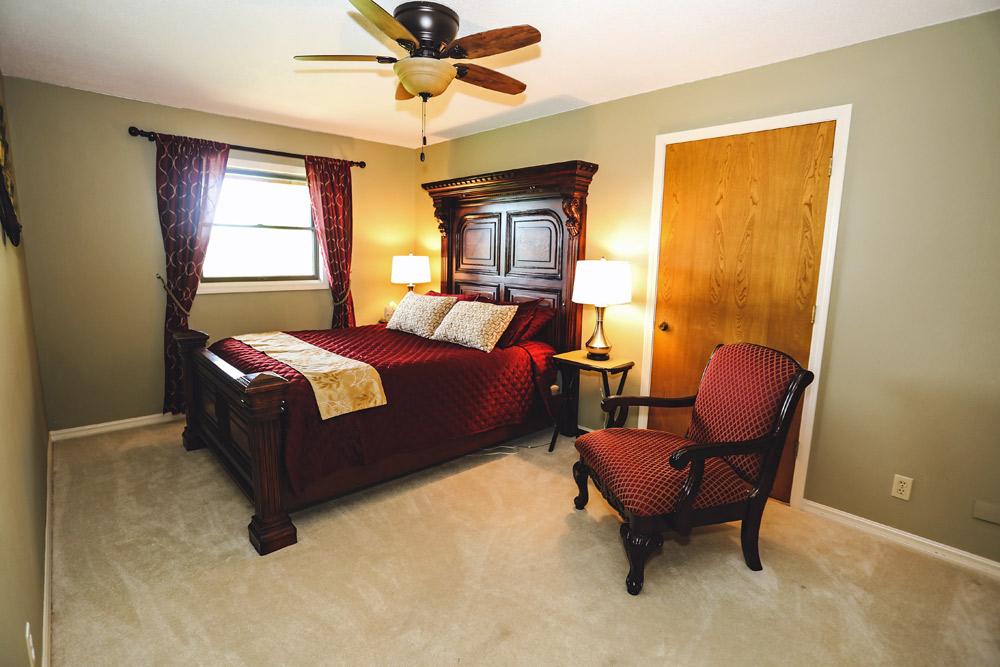 Airbnb Queen Guest Bedroom